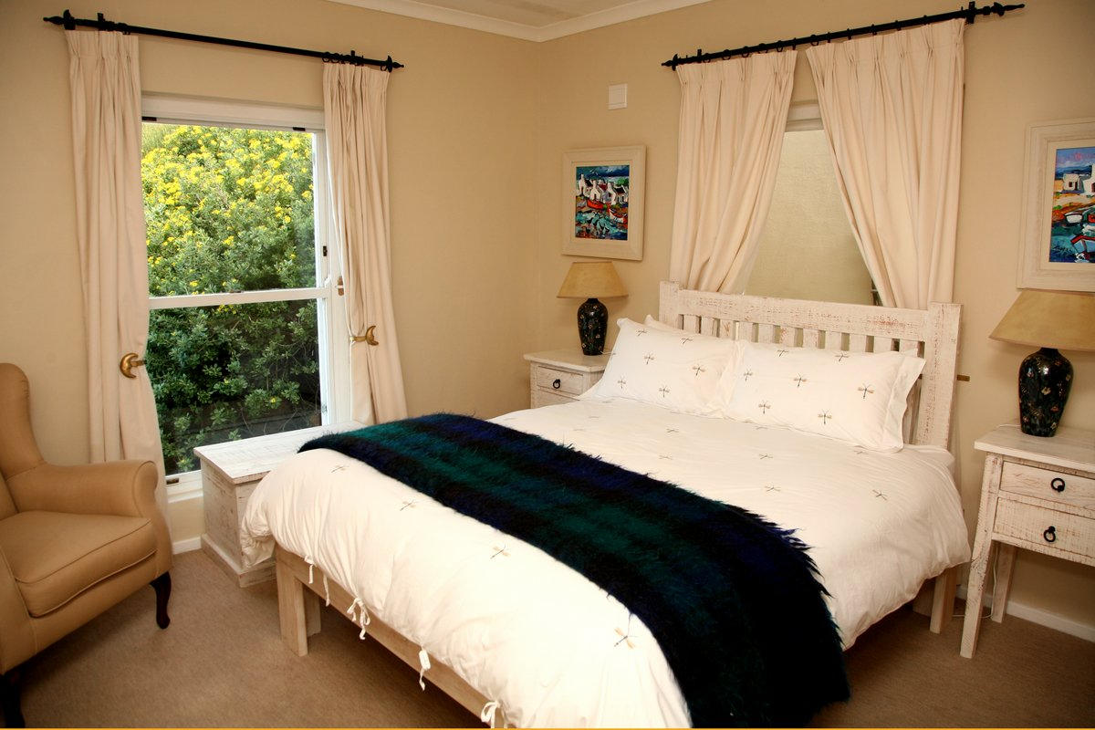 simons town accommodation at moonglow guest house