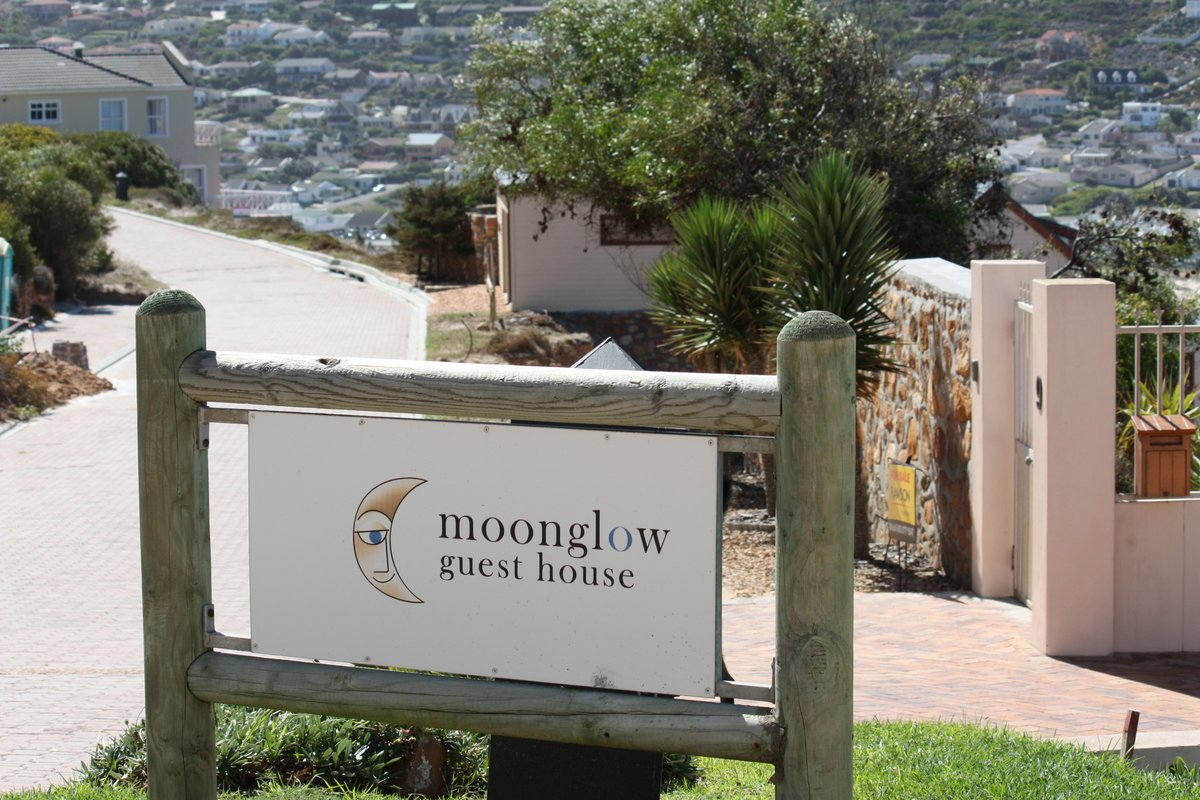 moonglow guest house entrance